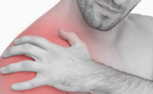 Le 10 cause più frequenti di dolore alla spalla
